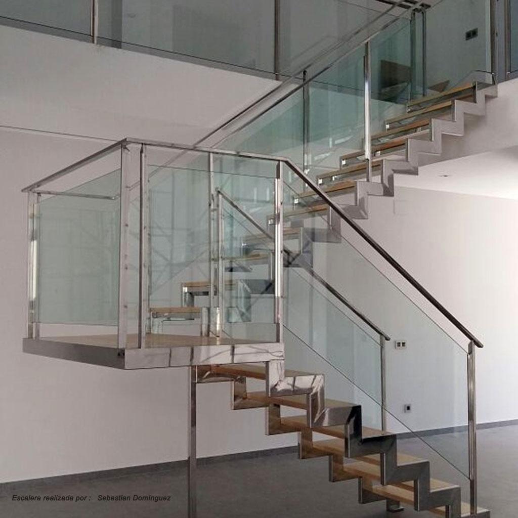 Escalera con peldaños de madera nº 6
