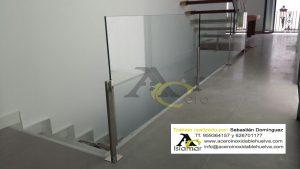 Barandilla de Vidrios para Altillo Escalera con anclajes de Acero Inoxidable.