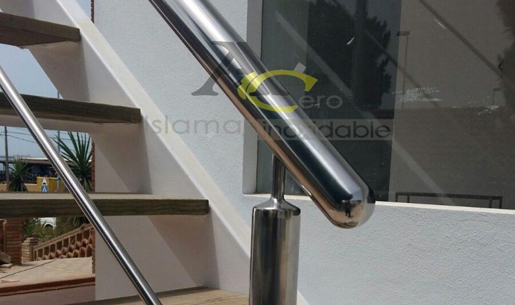 Detalle de Barandilla de escalera en Acero Inoxidable