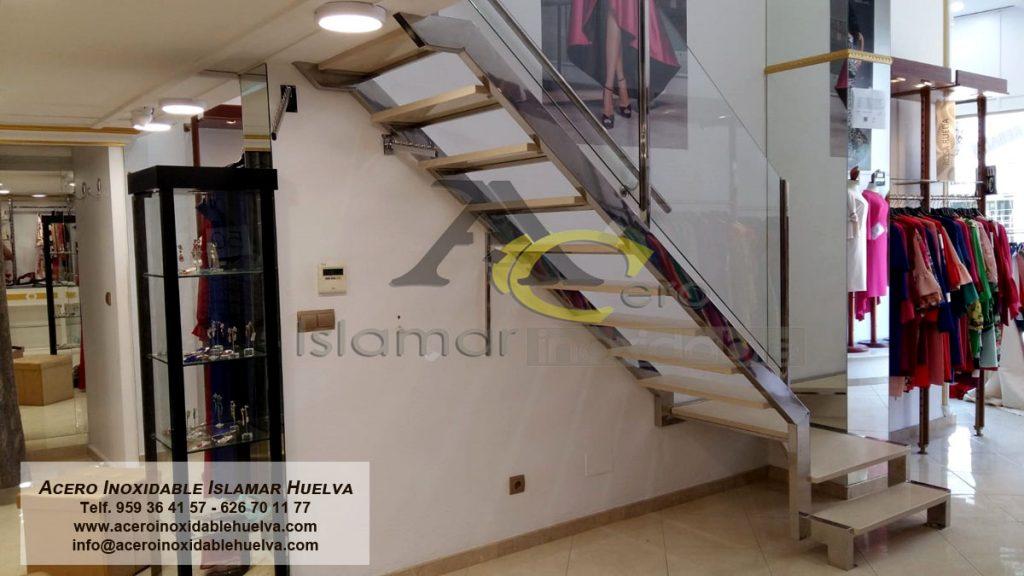Escalera en Acero #Inoxidable y peldaños de piedra. #Almonte #Huelva